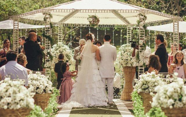 Casamento ao ar livre: o lugar perfeito cabe no meu bolso?