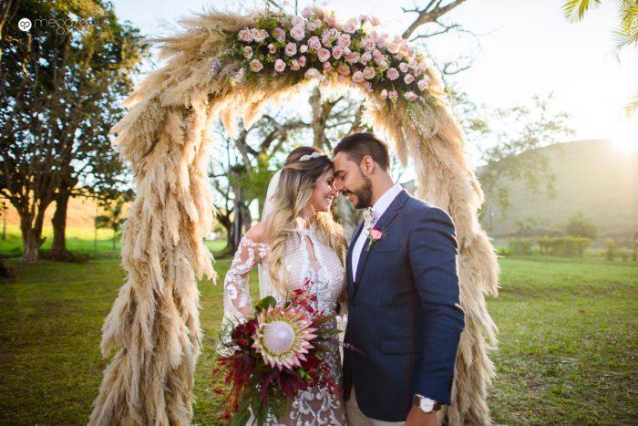 arco de grama dos pampas altar de casamento